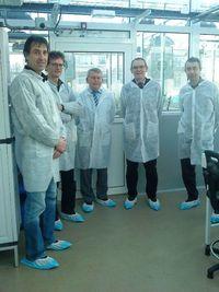 Jean-Jacques Aillagon et Daniel Sancho entourés des équipes de l'INRA © DR