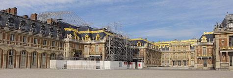 Travaux sur les toitures dans la Cour Royale © EPV